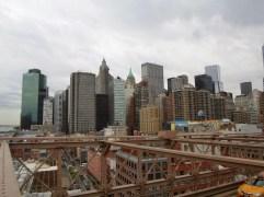 Blick vom westlichen Ende der Brooklyn-Bridge auf Südmanhattan