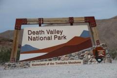 Am Eingang zum Death Valley National Park