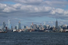 Skyline von Ellis Island westlich vom One World Center