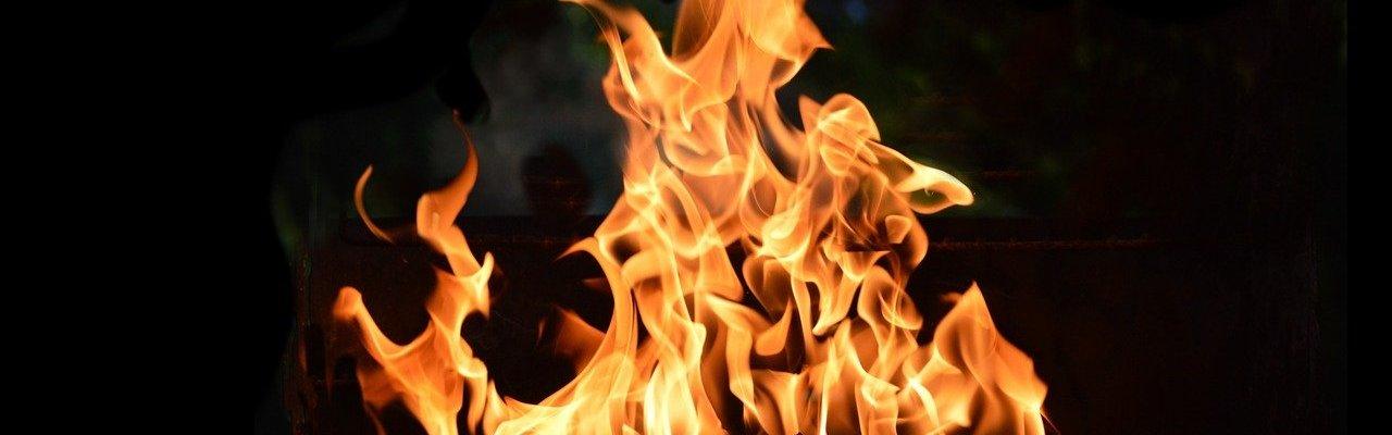 fire flame fiery blaze hot red 2679955