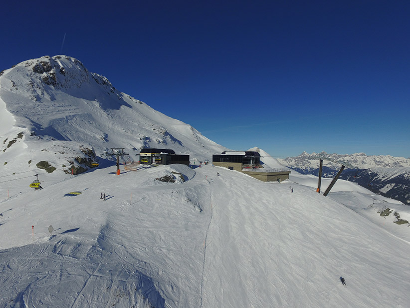 Bergbahnen Krings Obertauern – Blick auf die Bergstation von Panoramabahn und Seekarspitzbahn