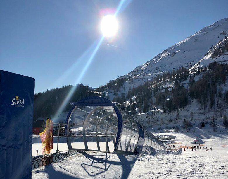 Neu seit dem Obertauern-Skiwinter 2019/20: Das überdachte Förderband beim Schaidberg. Foto: Kitzenegger