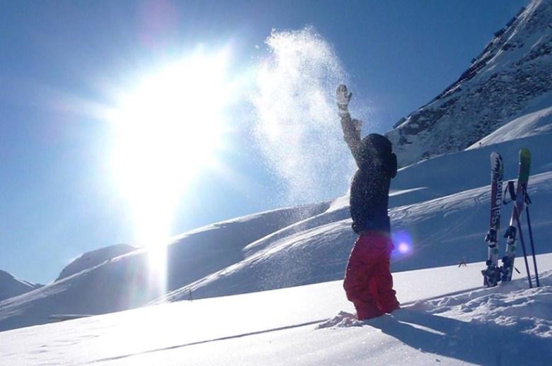 Klirrende Kälte und herrlicher Powder: Was die Herzen der Skifahrer höherschlagen lässt, ist für mitgeführte Handys eine wahre Herausforderung. Foto: Hotel Das Seekarhaus