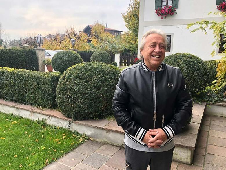 Kann nach langer Zeit endlich wieder lachen: Hermann Pascha, hier bei seinem Besuch in Salzburg.