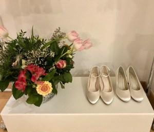 Nachhaltige Brautschuhe bei One day in Salzburg: Alle Modelle können nach dem großen Tag eingefärbt werden und sind so lange tragbar. Foto: Kitzenegger