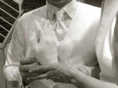 Foto Mann hält Abdruck der Hände