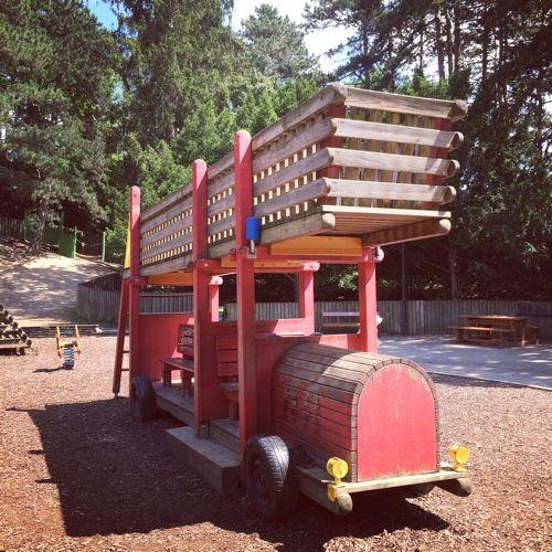 sommer-am-Spielplatz-tuerkenschanzpark-die kleine botin-10
