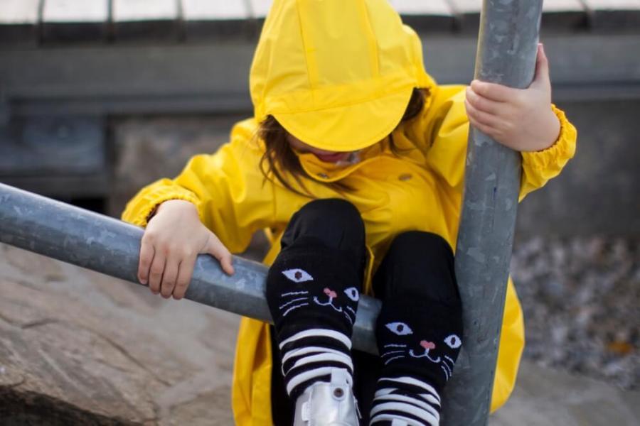 rains-sways-regenmantel-die-kleine-botin-6