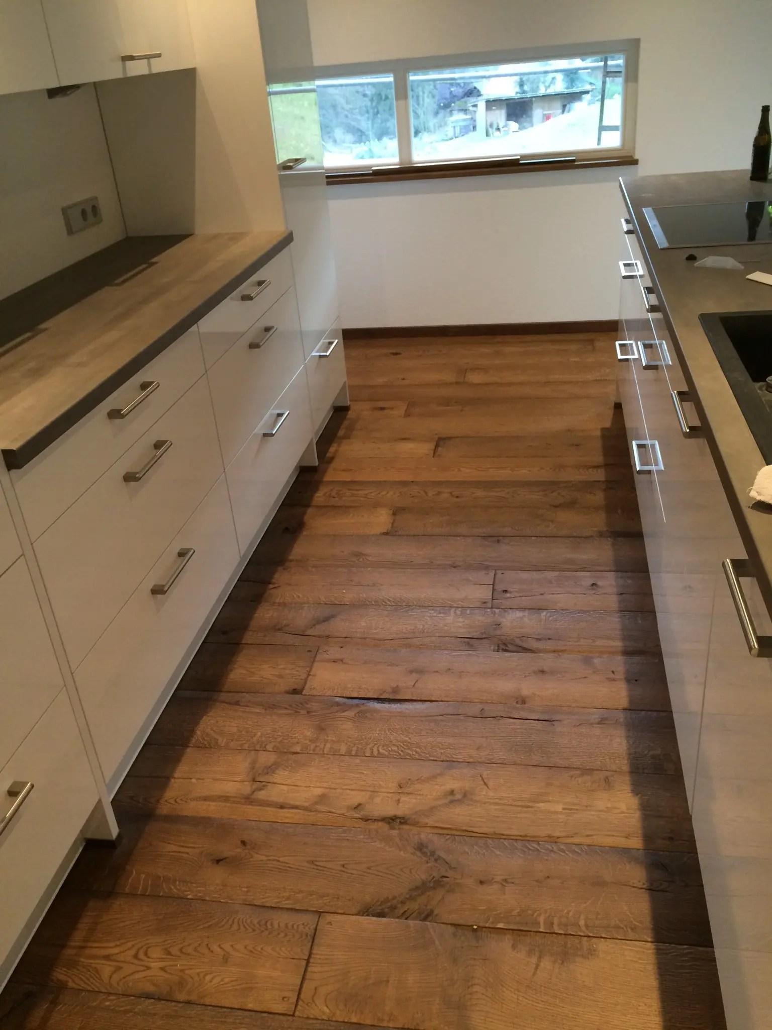 Holzboden In Der Kuche Schutzen Parkett In Kuche Schutzen Garten