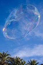 Foto einer Riesenseifenblase.