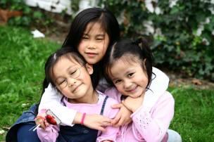 Ba chị em Cào, Kiến, Cắn