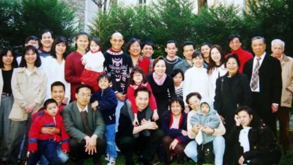 19-03-2000 - Paris : Cả ba thế hệ tề tựu đông đủ