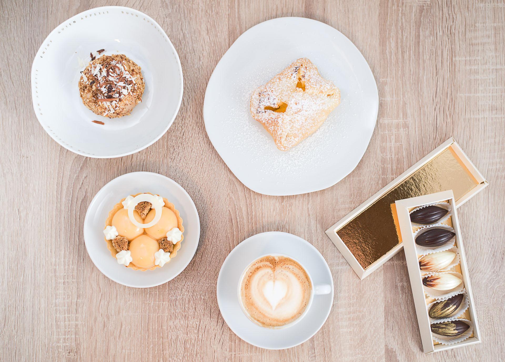 Patisserie Naderer - Tartelette Kaffee Pralinen und andere süße Spezialitäten