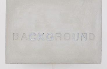 Background, 2019: Beton, Stahl, LCD Display, Bildrauschen. Foto Bernd Oppl