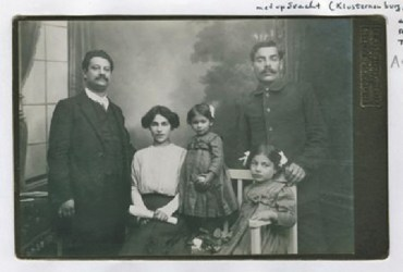 1912, vl. Rudolf und Sonja Grossmann (andere Personen sind nicht bekannt) Foto Pierre Ramus Collection, International Institute of Social History, Amsterdam