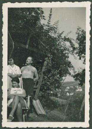 1930, vl. Sonja und Rudolf Grossmann (andere Person ist nicht bekannt) Foto Pierre Ramus Collection, International Institute of Social History, Amsterdam