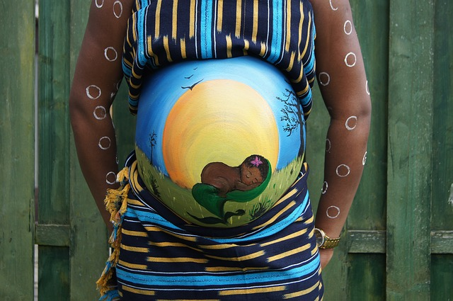 belly-painting-409794_640