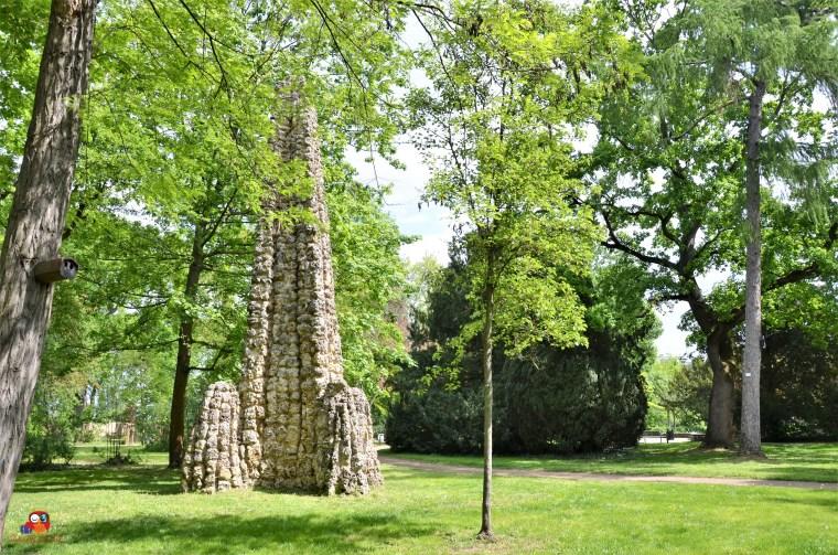 Der Obelisk aus Kalkstein