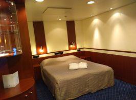 Eine Innensuite mit Schlaf- und Wohnbereich