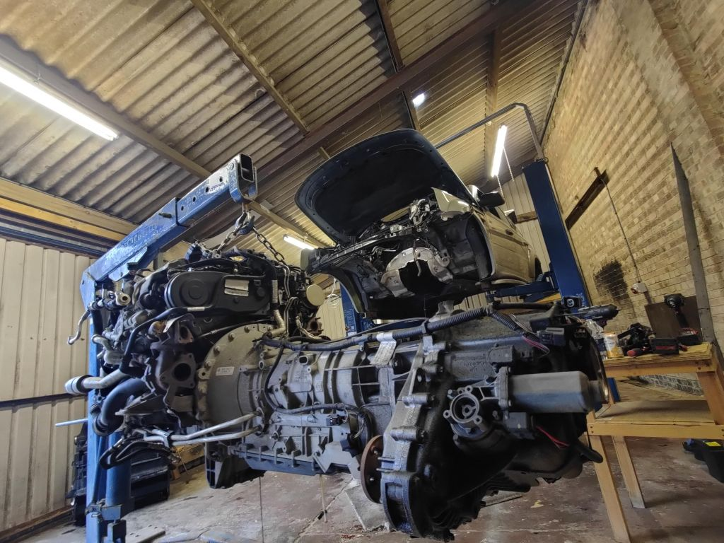 range rover engine and gearbox