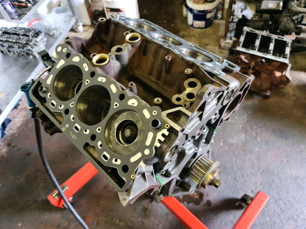 land rover tdv6 engine rebuild