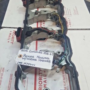 2015 CUMMINS ISB 6.7 VALVE COVER GASKET WITH WIRING HARNESS OEM P# 5264950