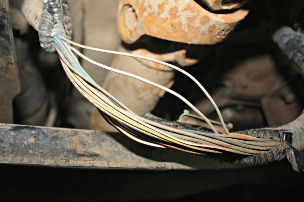 medium resolution of the only real wiring required with the tapshift kit happens under the truck along