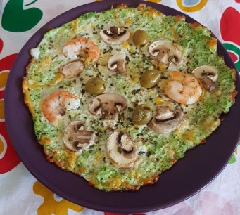 pizza de champiñones y gambas