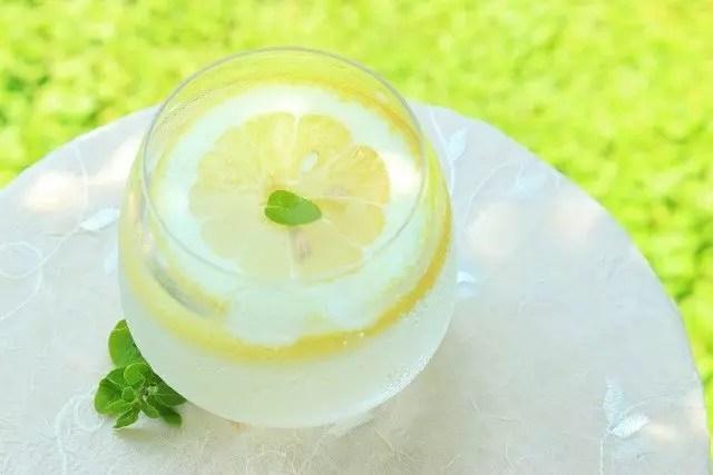 レモン水ダイエットのやり方と効果のあるレモン水の作り方!
