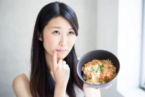 お腹が空いたら食べるダイエットは効果が高い!【好きな物を食べてもOK?】
