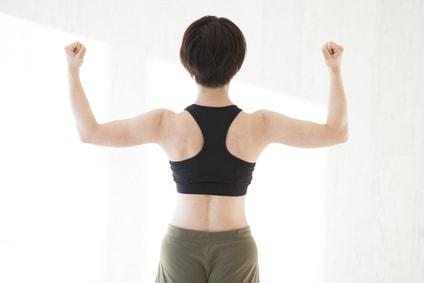 筋肉がついている女性