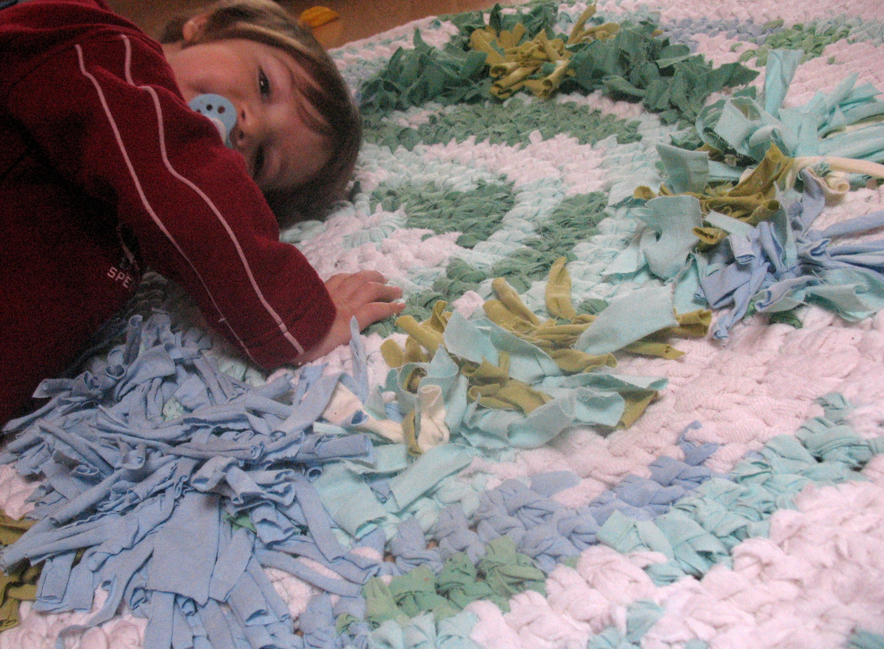 Teppich Häkeln Rund Aus Stoffresten Teppich Aus Stoffresten Ich