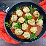 Dietetyczne klopsiki z sosem pomidorowym