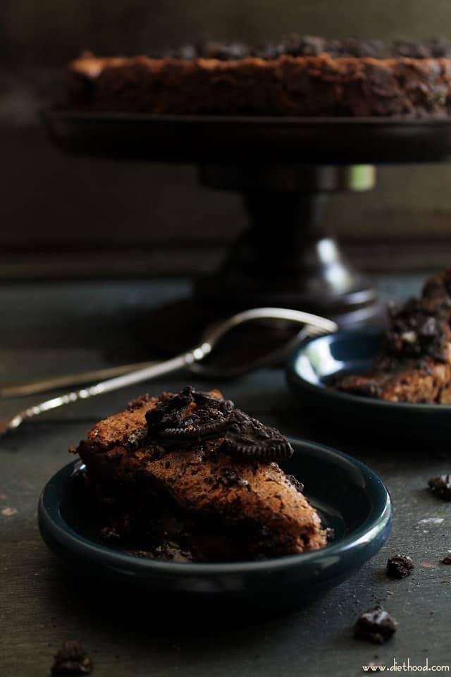 cookies and cream chocolate cake5 wp Cookies and Cream Flourless Chocolate Cake