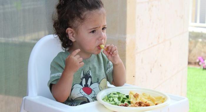 Qué deben comer los niños para ser adultos sanos