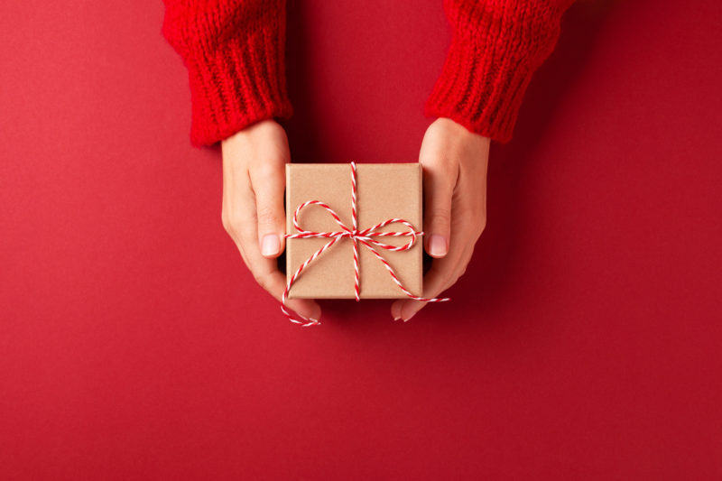 11 Healthy Gift Ideas for Your Holiday Wish List