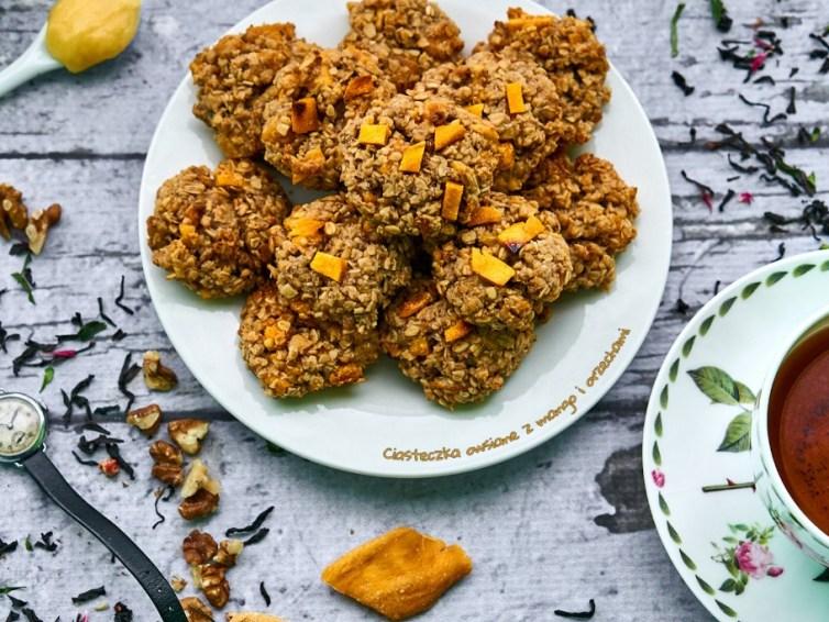 Ciasteczka owsiane z mango i orzechami 🍪 🥜