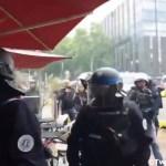 Gelbwesten-Demo in Frankreich – Tränengas-Einsatz der Polizei gegen Café-Besucher! (Video)