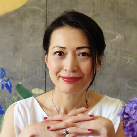 Azumi Uchitani, Japanese culture expert, lecturer