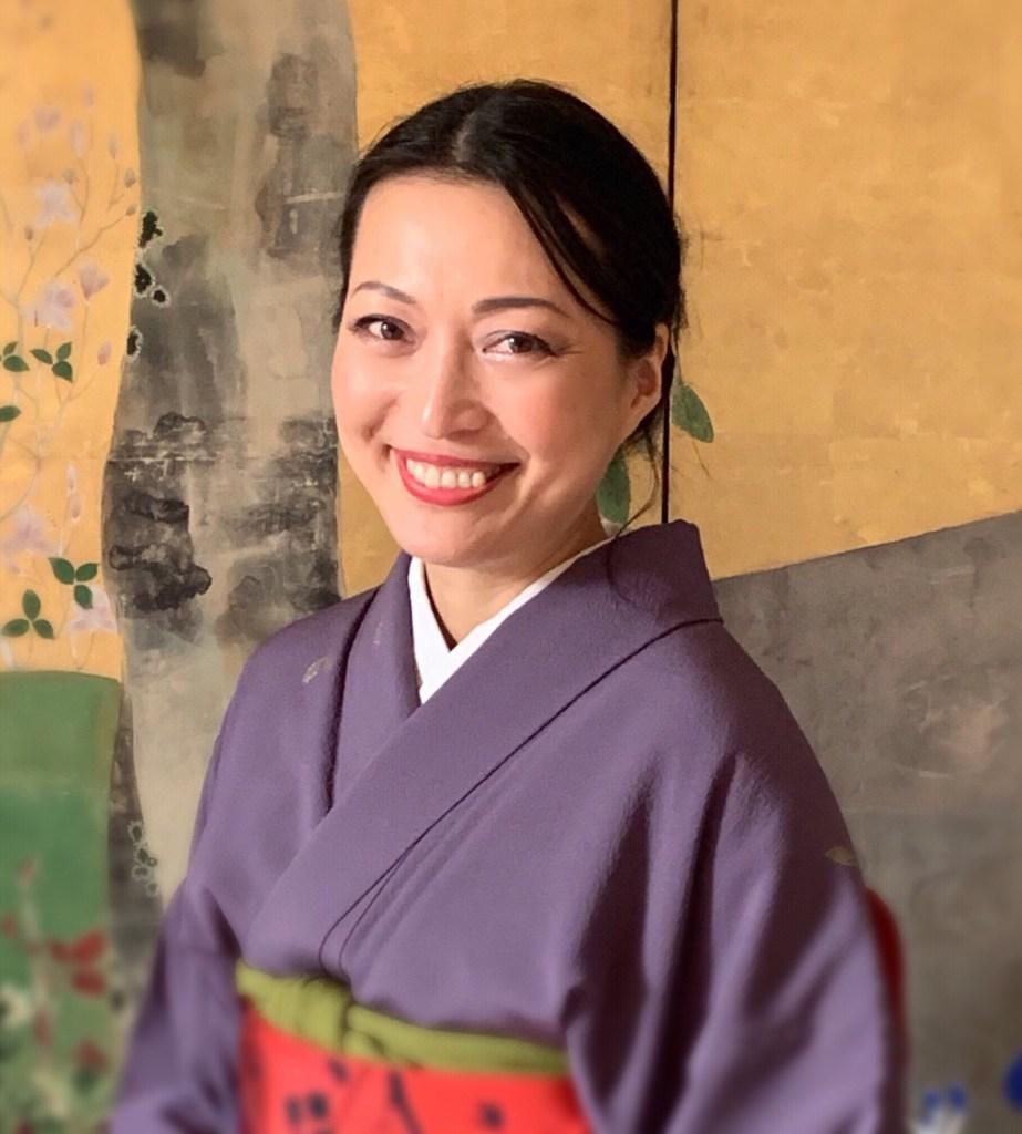Azumi Uchitani, Japanese art and culture educator
