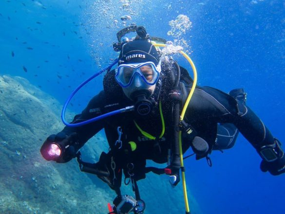 Un plongeur qui veut passer un niveau 2 de plongée.