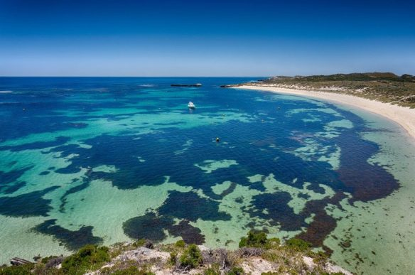 Dépolluer les océans est un objectif à atteindre d'urgence pour garder des écosystèmes riches et attrayant comme cette mer chaude.