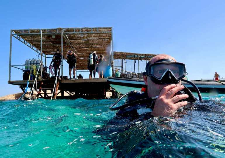 10 essential elements to choose your diving center