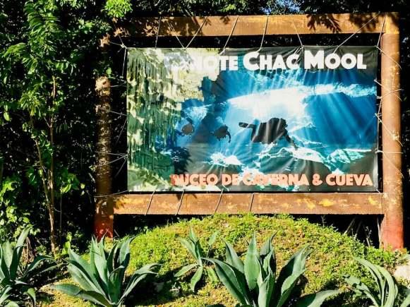 Panneau d'entrée du cenote Chak Mool