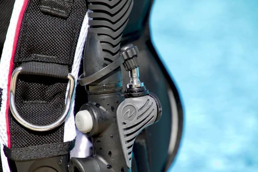 Le bouchon de la connexion du tuyau d'inflateur