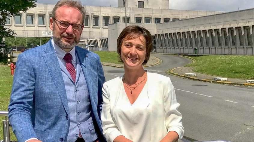 Pierre Lafère et Hélène Adam à l'hôpital militaire de Bruxelles