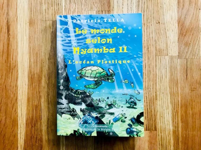 Le monde selon Nayamba, l'océan de plastique de Patricia Tella fait partie des livres sur les océans pour les enfants un peu plus grands.