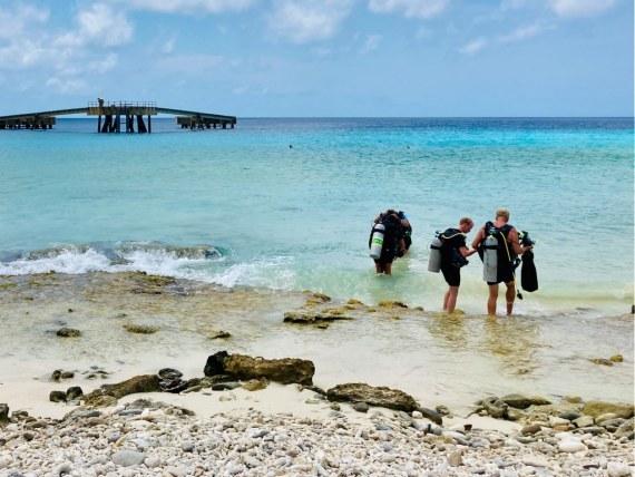 Renoncer à plonger n'est pas toujours simple surtout lorsque nous nous sommes en vacances comme ces plongeurs à Bonaire.
