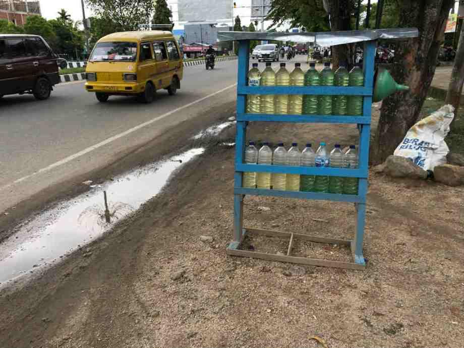 Réserve de carburant à Sorong.