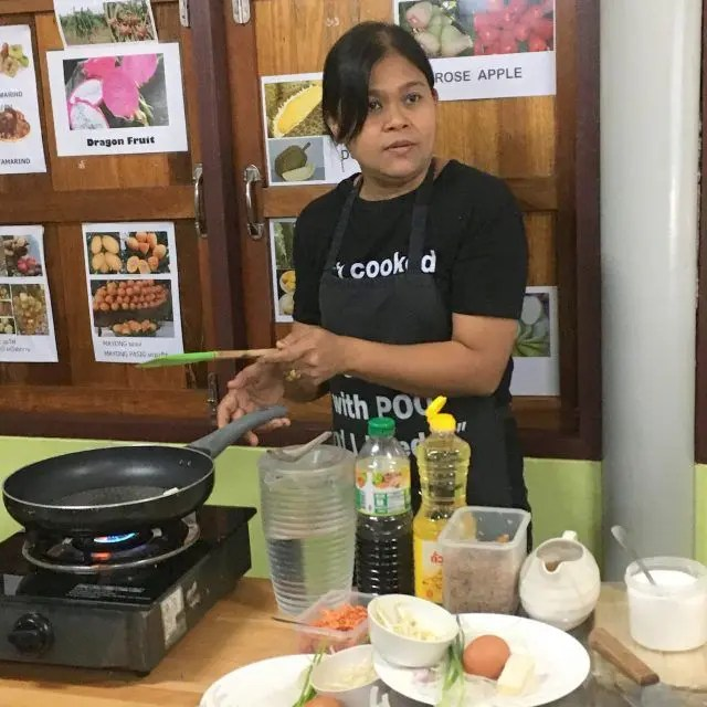 Khun Poo runs cooking class Cooking with Poo in Bangkok and helps many of her friends and neighbours as she does it. Here's why we picked Cooking with Poo out of all the classes in Bangkok.